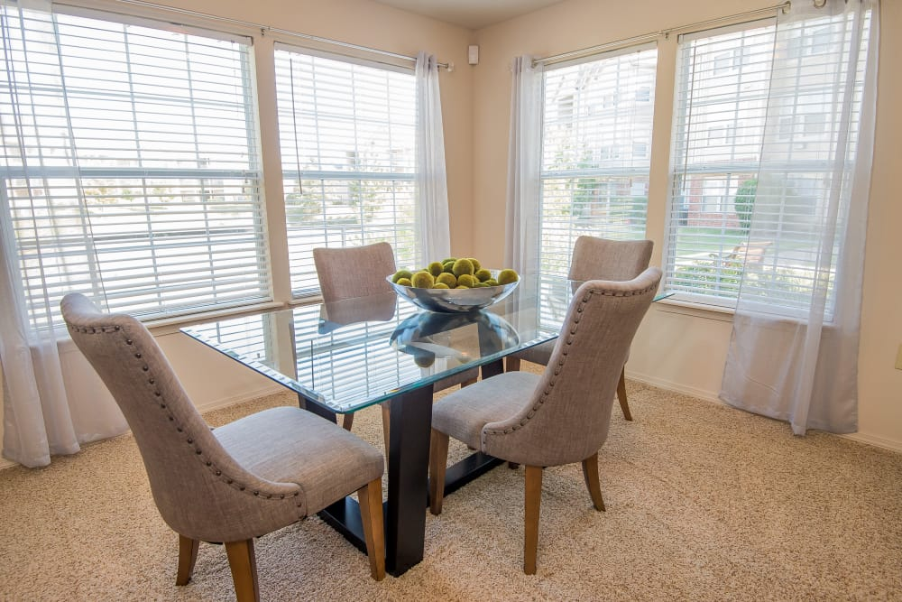 Bright dining room at Villas at Aspen Park in Broken Arrow, Oklahoma