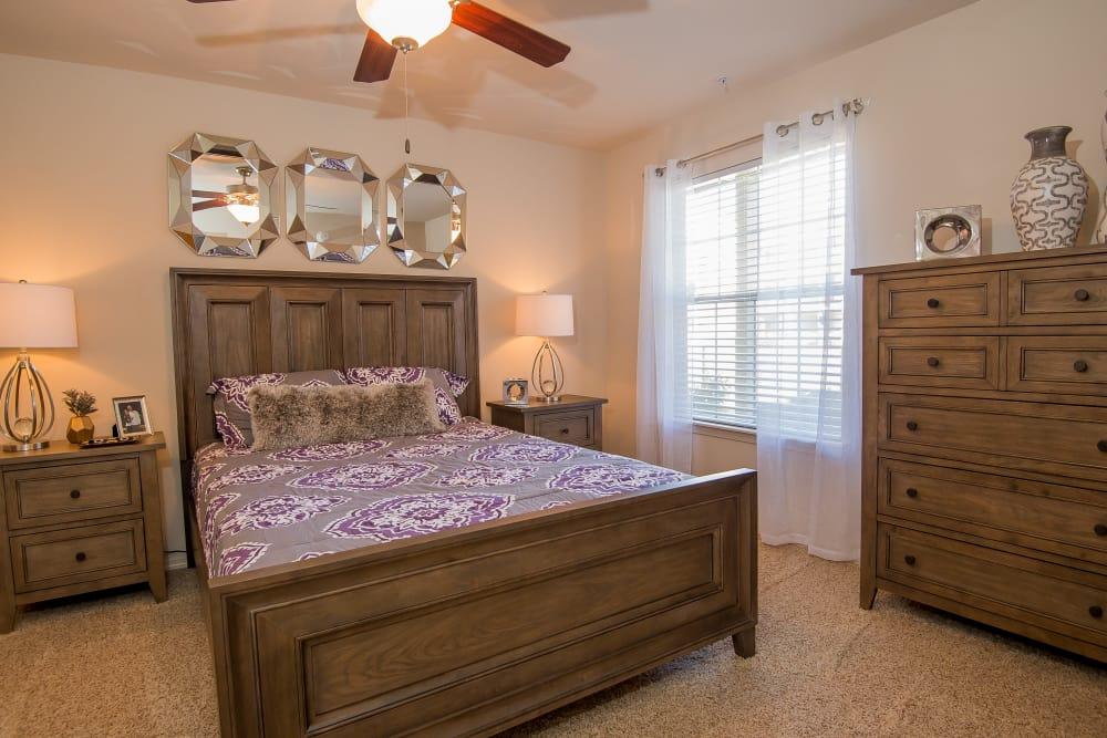 Villas at Aspen Park offers spacious bedrooms in Broken Arrow, Oklahoma