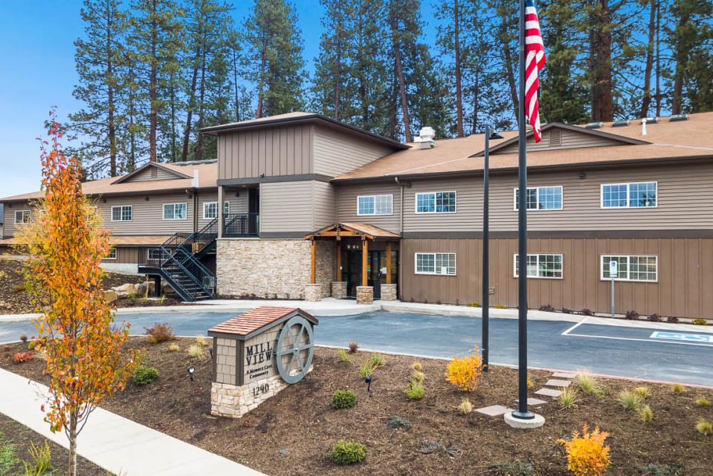 Main entrance at Mill View Memory Care in Bend, Oregon