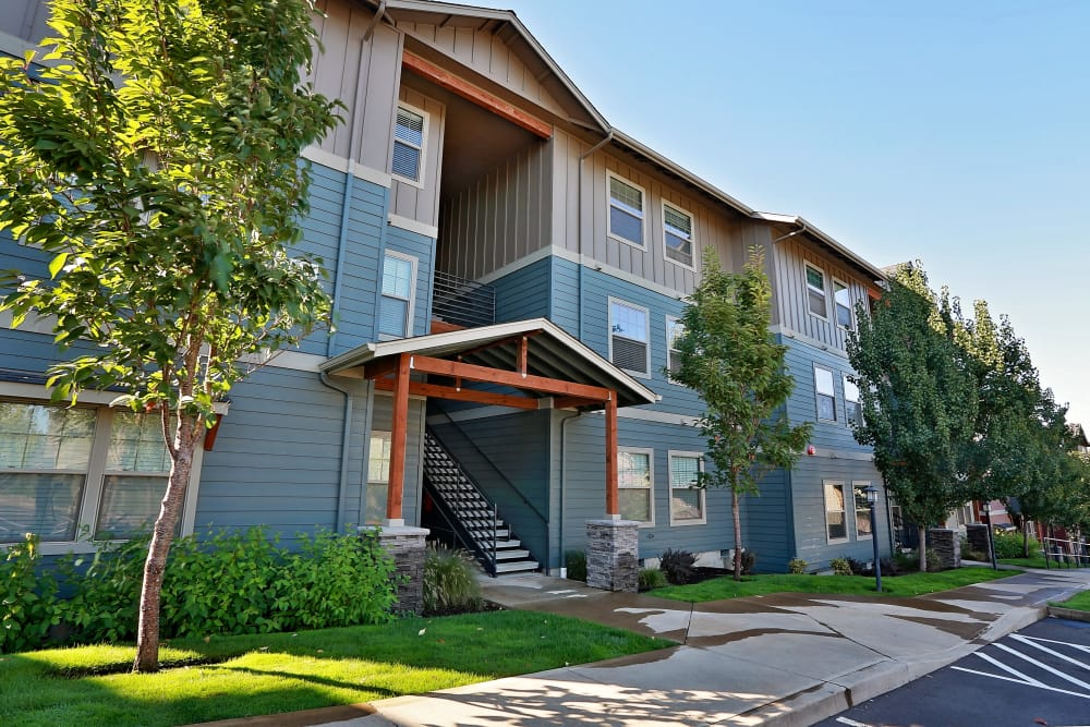 Front view of apartment building at Orchard Ridge in Salem, Oregon