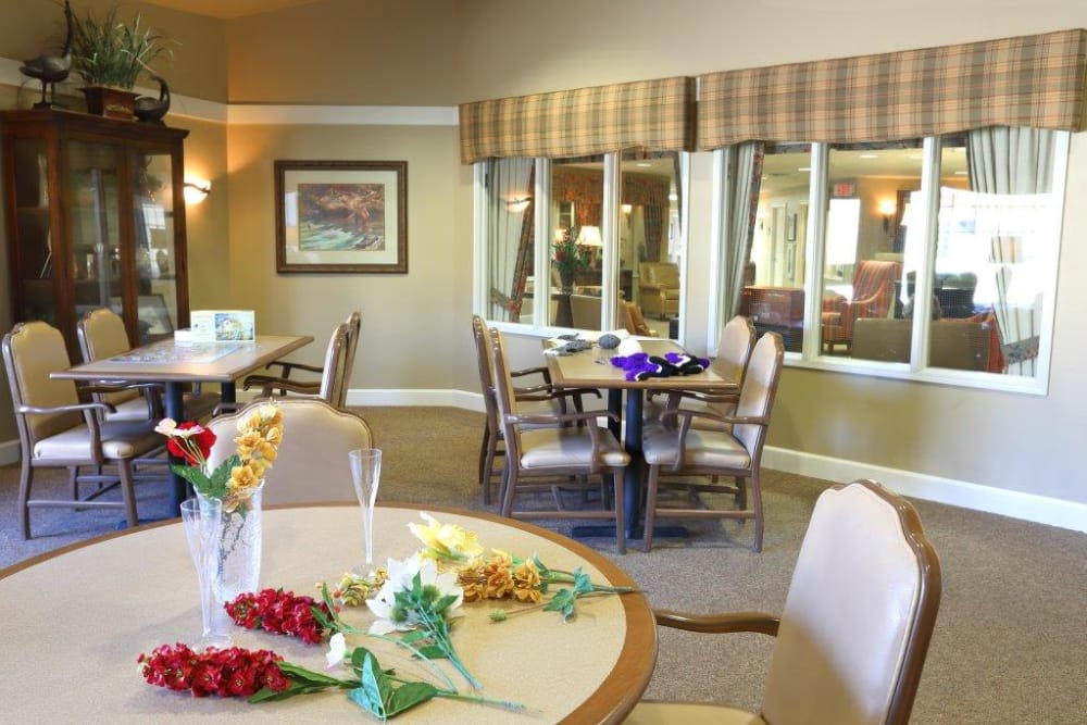 dining room at Mill Creek Alzheimer's Special Care Center in Springfield, IL