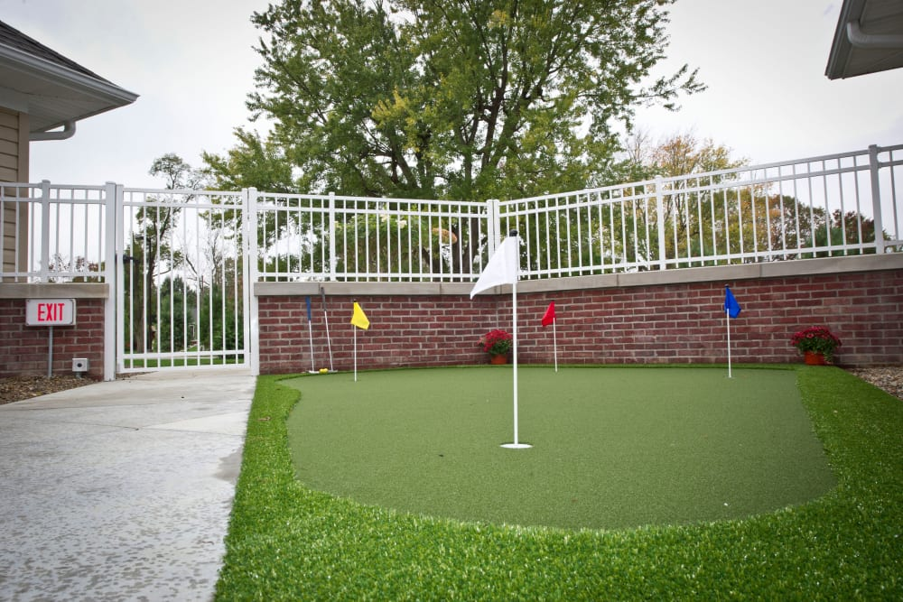 Courtyard at our Assisted Living Facility featuring mini golf in Zanesville, Ohio