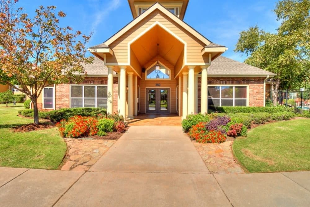 Clubhouse Entrance at Pebble Creek in Mustang, Oklahoma