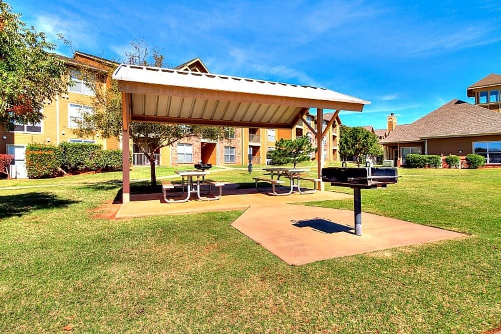 Cookout area at Pebble Creek in Mustang, Oklahoma