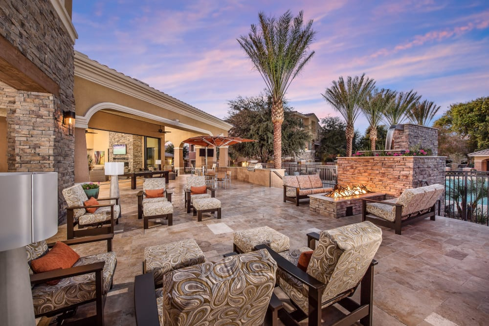 Comfortable seating outside at Stone Oaks in Chandler, Arizona