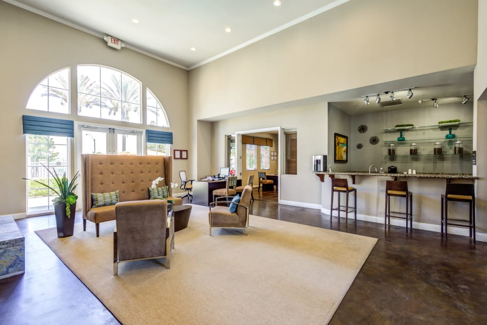 Spacious community clubhouse at Vista Imperio Apartments