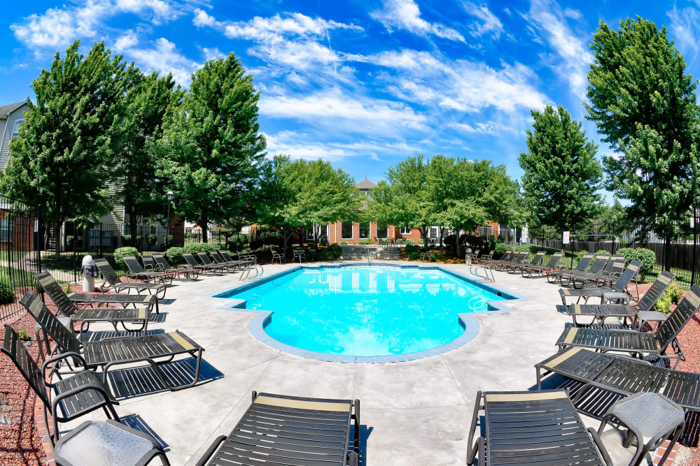 Resort style pool at Signature Place in West Des Moines, Iowa