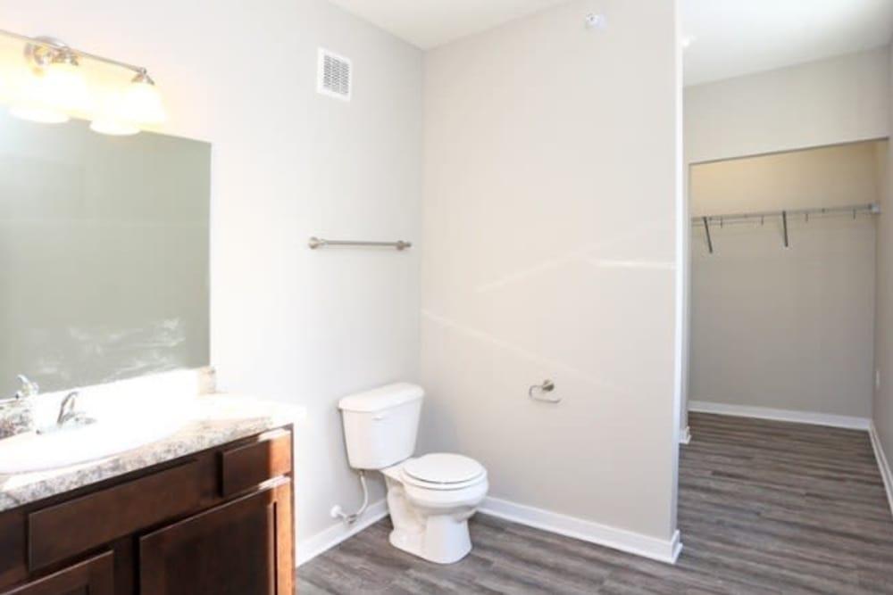Large bathroom at Johnson Gardens in Johnston, Iowa