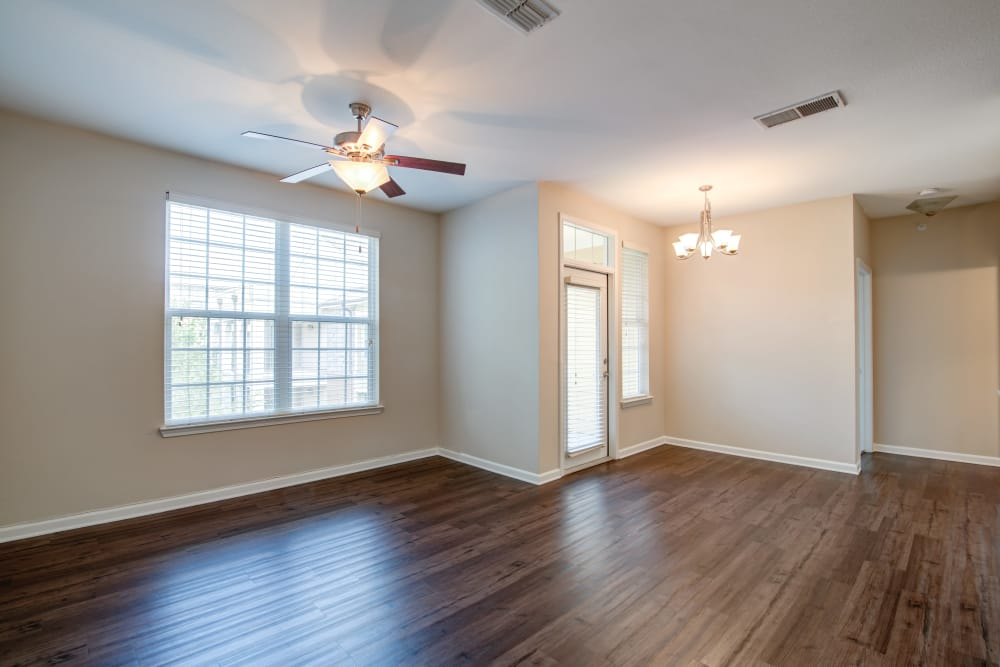 Open living space at Cantare at Indian Lake Village in Hendersonville, Tennessee