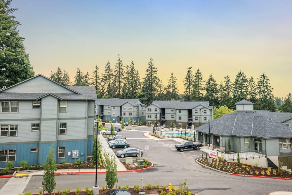 Exterior of River Ridge Apartments in Tualatin, Oregon