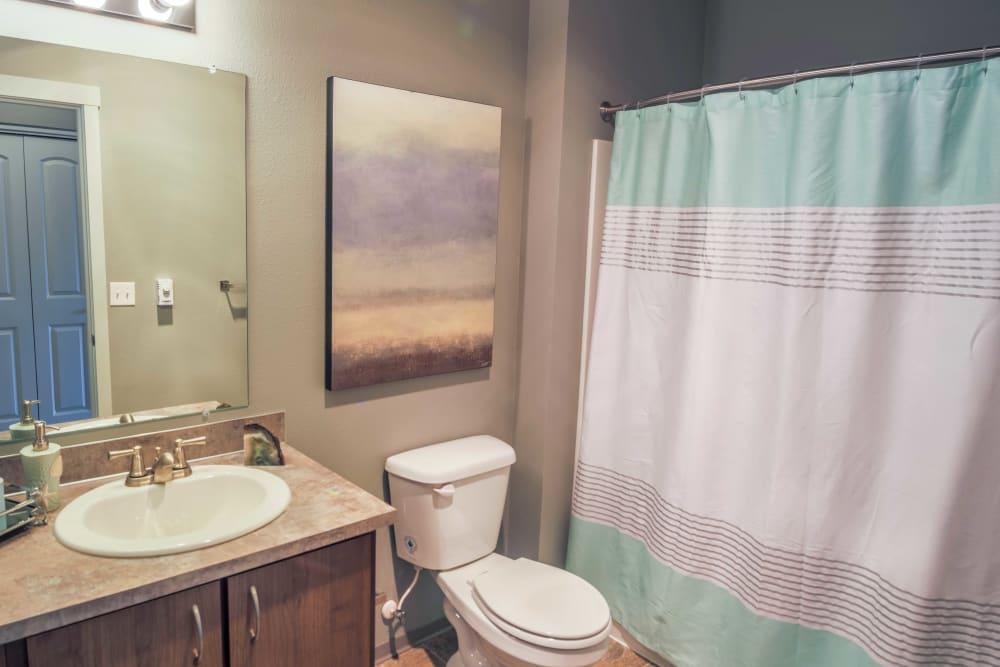 Model bathroom at River Ridge Apartments in Tualatin, Oregon