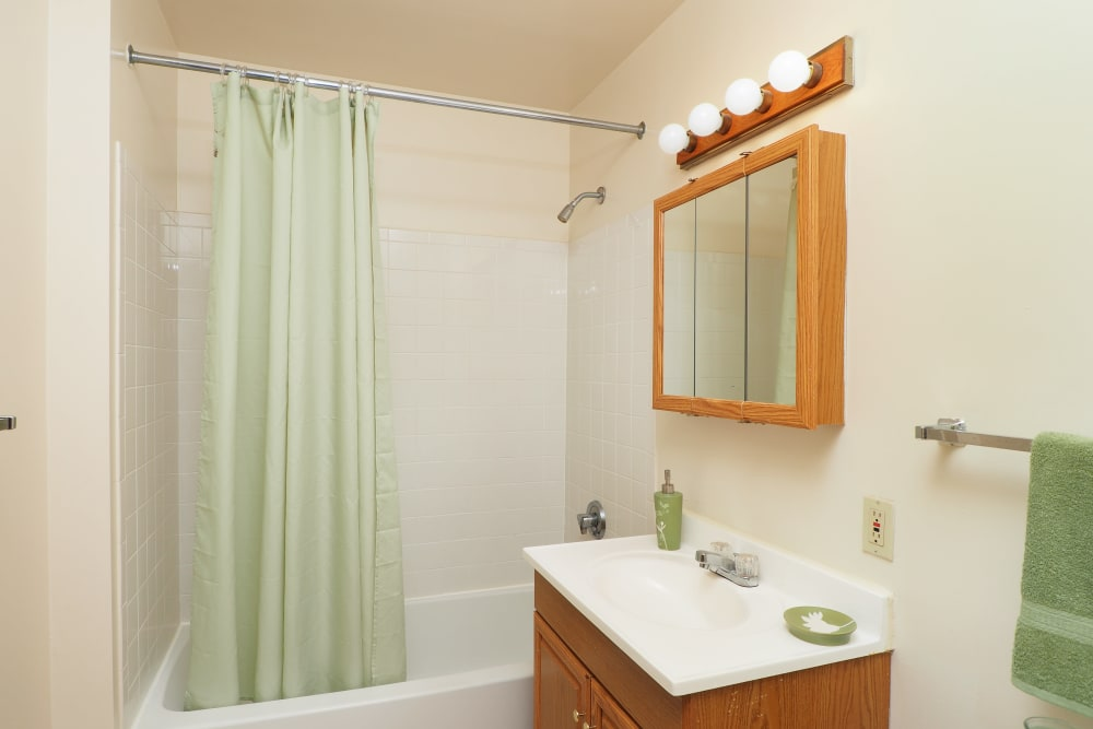 Element 250 offers a bathroom in Hartford, Connecticut
