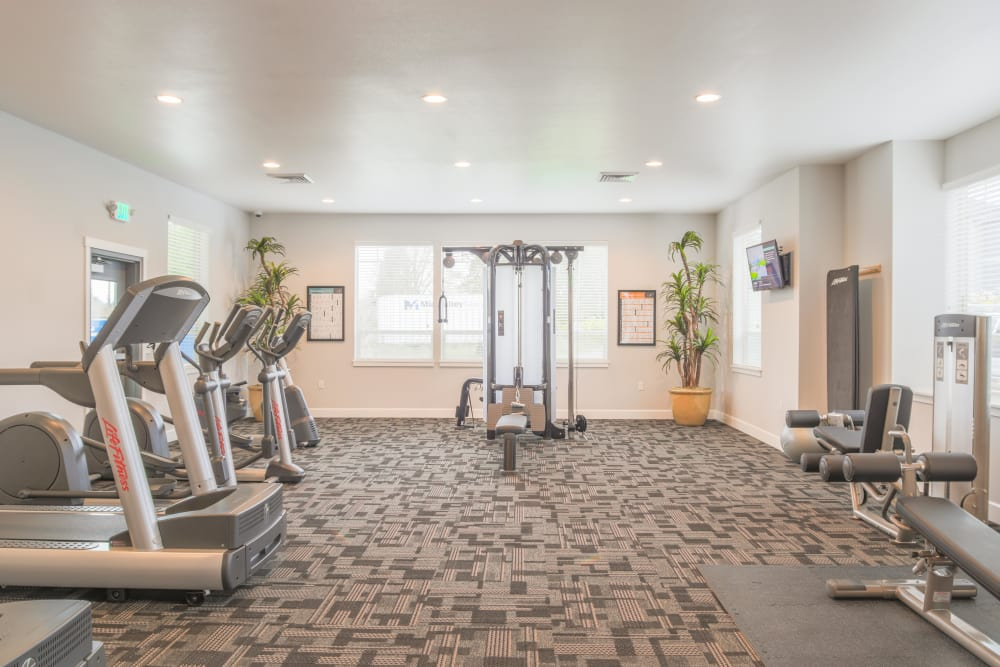 Fitness center at Keizer Station Apartments in Keizer, Oregon