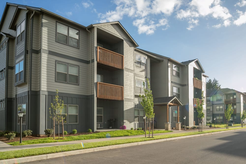 Exterior of Keizer Station Apartments in Keizer, Oregon