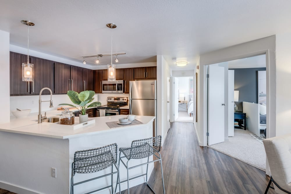 Centro Apartment Homes showcase a modern kitchen in Hillsboro, Oregon