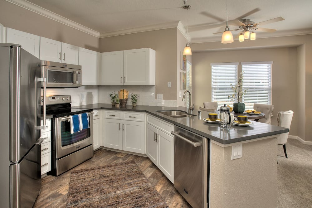 Centro Apartment Homes offers a furnitured kitchen in Hillsboro, Oregon