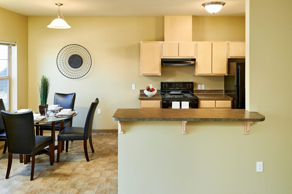 Fully equipped kitchen at Heritage Meadow Apartments in Eugene, Oregon
