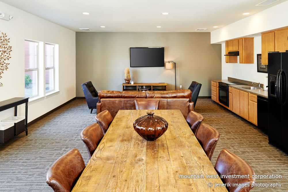 Conference room at Heritage Meadow Apartments in Eugene, Oregon