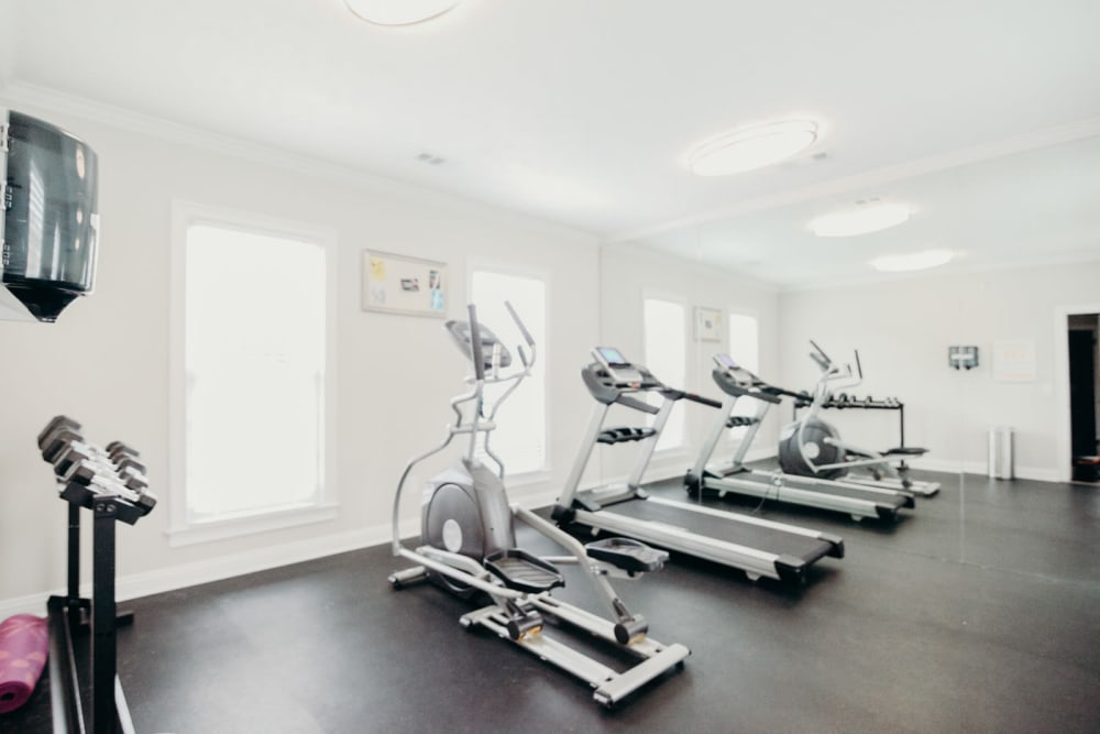 Halcyon Park Apartments in Montgomery, AL offers a gym