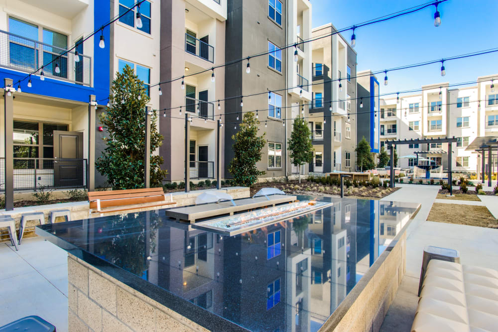 Beautiful pool at Maple District Lofts in Dallas, Texas