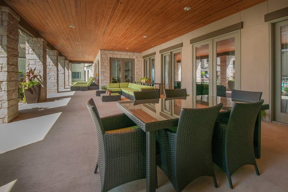Outdoor dining at Carrington Oaks in Buda, Texas