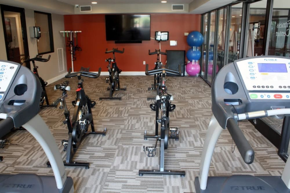 Resident gym at Goldelm at Metropolitan in Knoxville, Tennessee