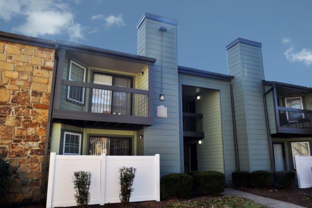 Beautiful contemporary exterior of Goldelm at Metropolitan in Knoxville, Tennessee