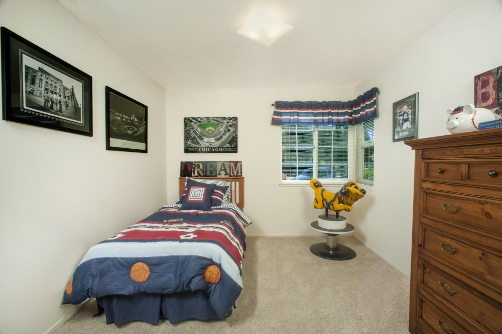 Bedroom at Oak Meadow Apartments in Chico, California