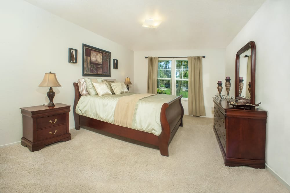 Master bedroom at Oak Meadow Apartments in Chico, California
