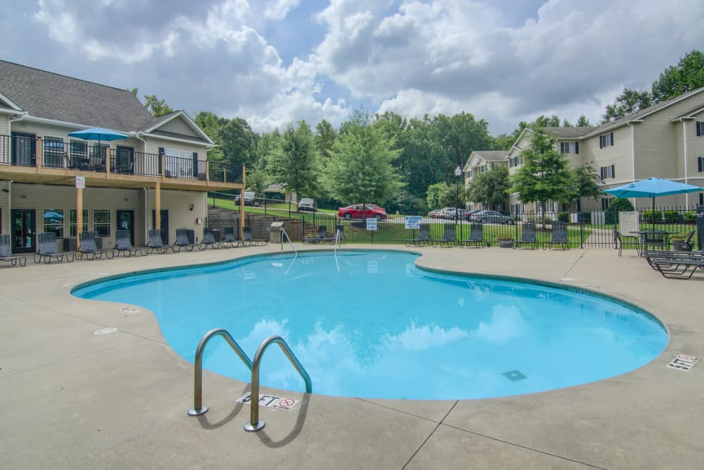 Luxury swimming pool at Villas at Lawson Creek in Boiling Springs, South Carolina