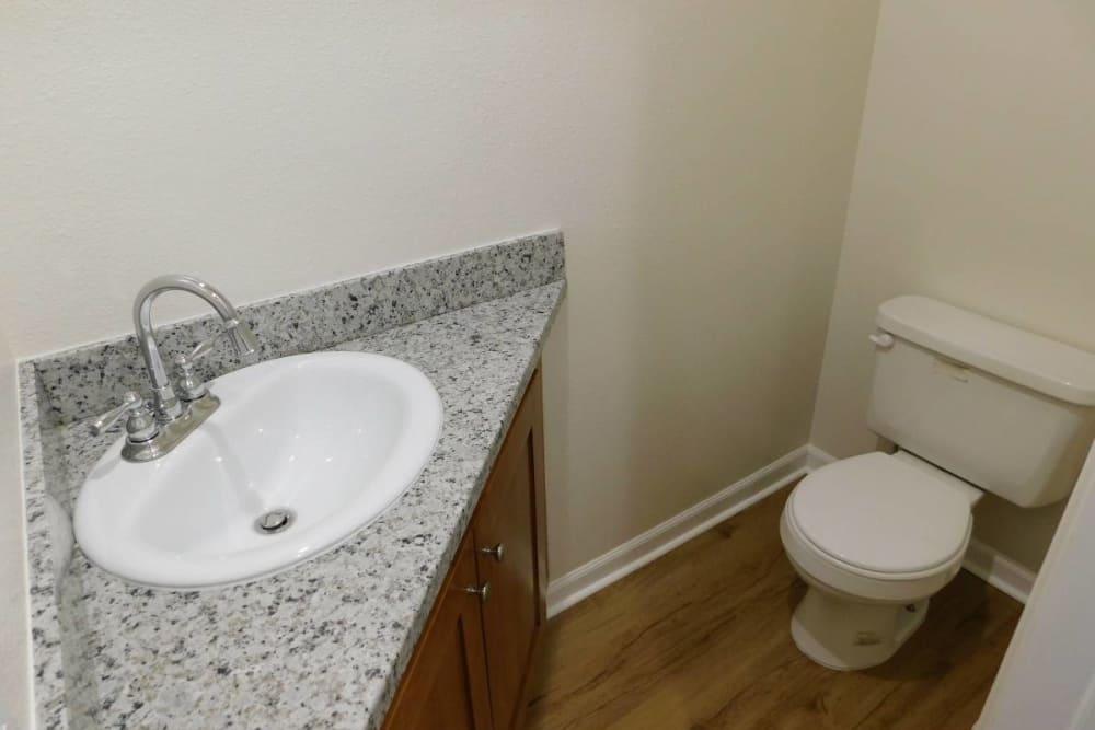 Unique bathroom at Oakwood Terrace in Lebanon, Oregon