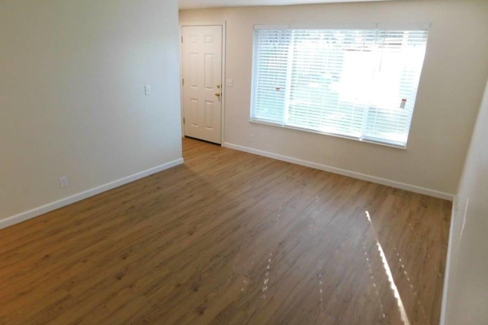 Modern living room at Oakwood Terrace in Lebanon, Oregon