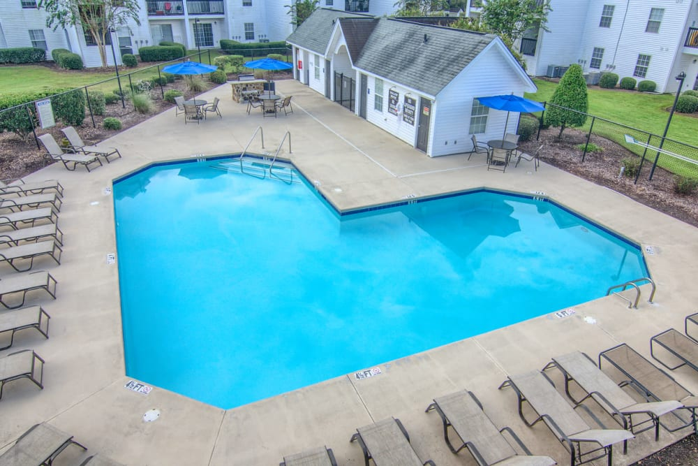Luxury swimming pool at Claypond Commons in Myrtle Beach, South Carolina