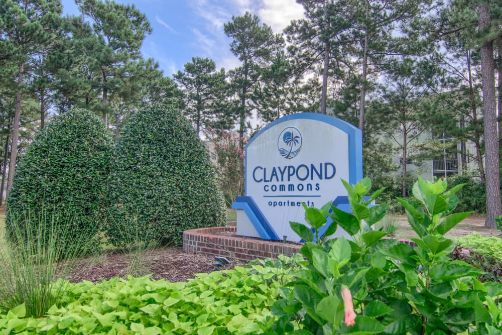 Beautiful entryway at Claypond Commons in Myrtle Beach, South Carolina