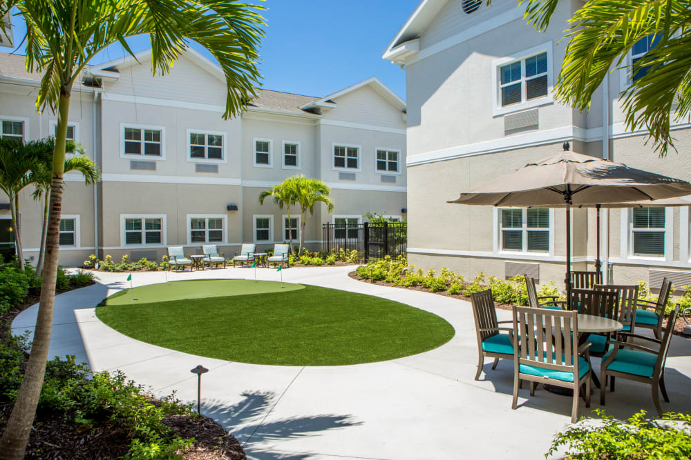 Putting green at Heritage Oaks Assisted Living and Memory Care