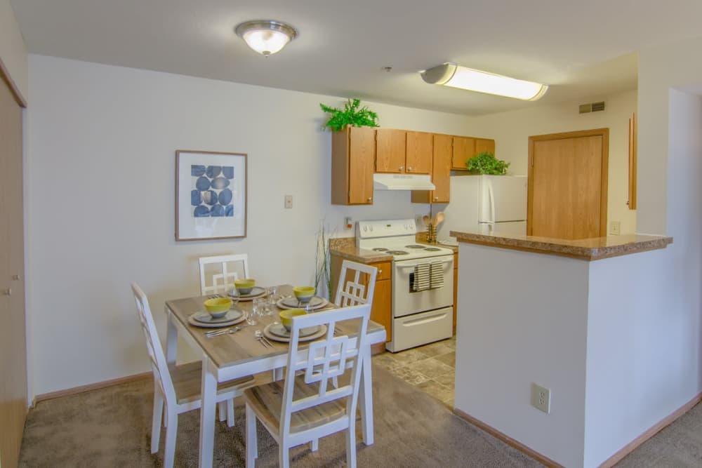 Luxury kitchen at Gateway Lakes Apartments in Grove City, Ohio