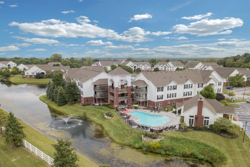 Beautiful apartments at Gateway Lakes Apartments in Grove City, Ohio