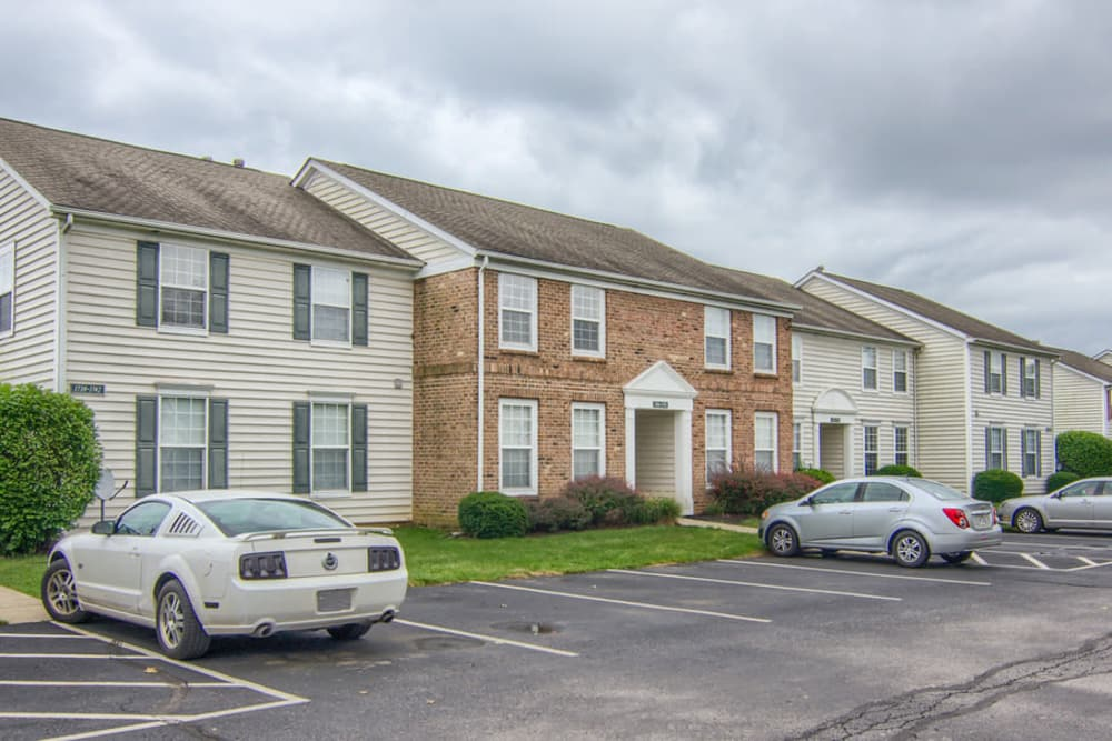 Beautiful apartments and parking at College Park in Columbus, Ohio