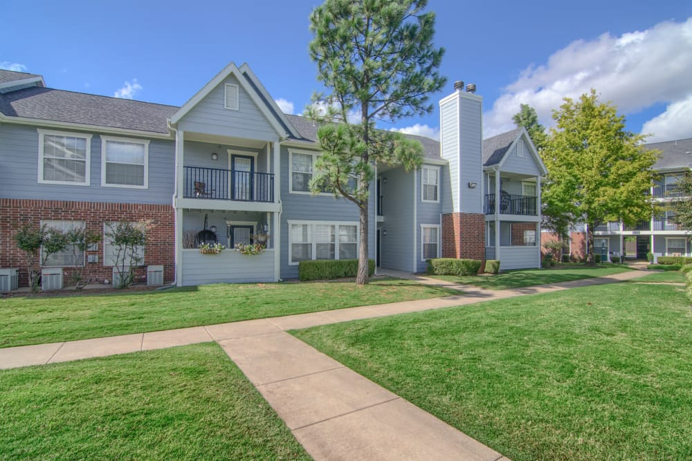Beautiful apartments at Villas at Countryside in Moore, Oklahoma