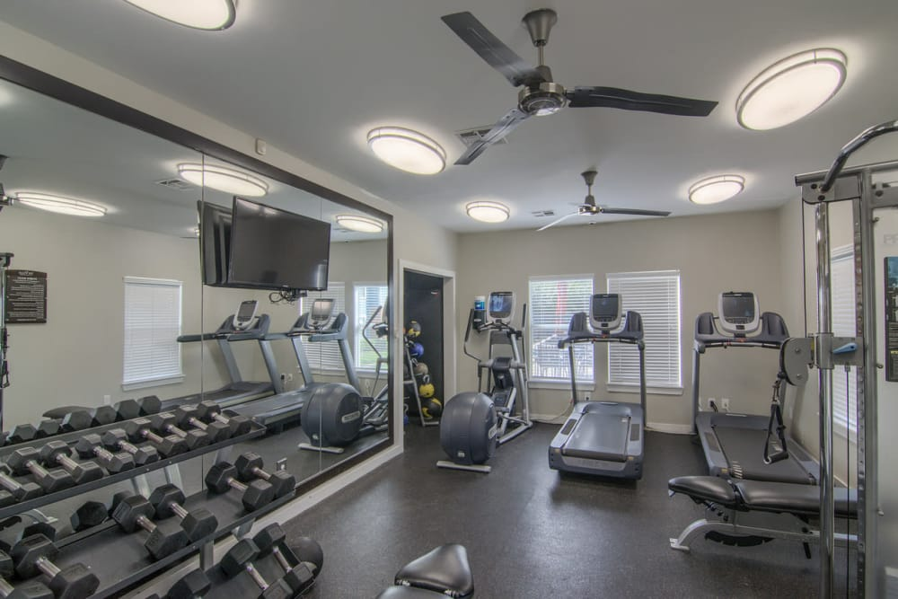 Fitness center at Villas at Countryside in Moore, Oklahoma