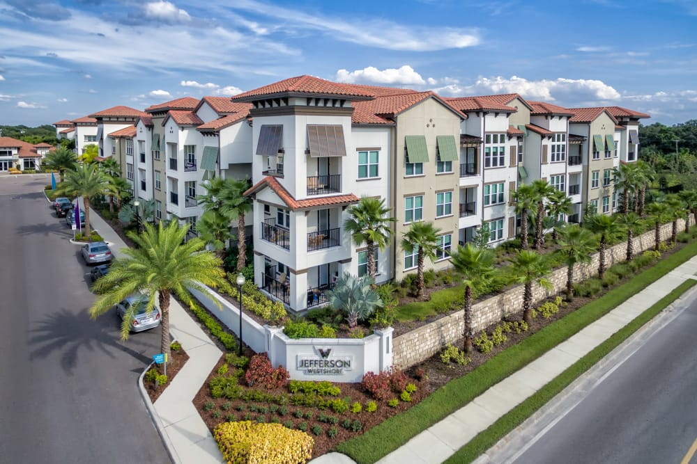 Exterior view of Jefferson Westshore in Tampa, Florida