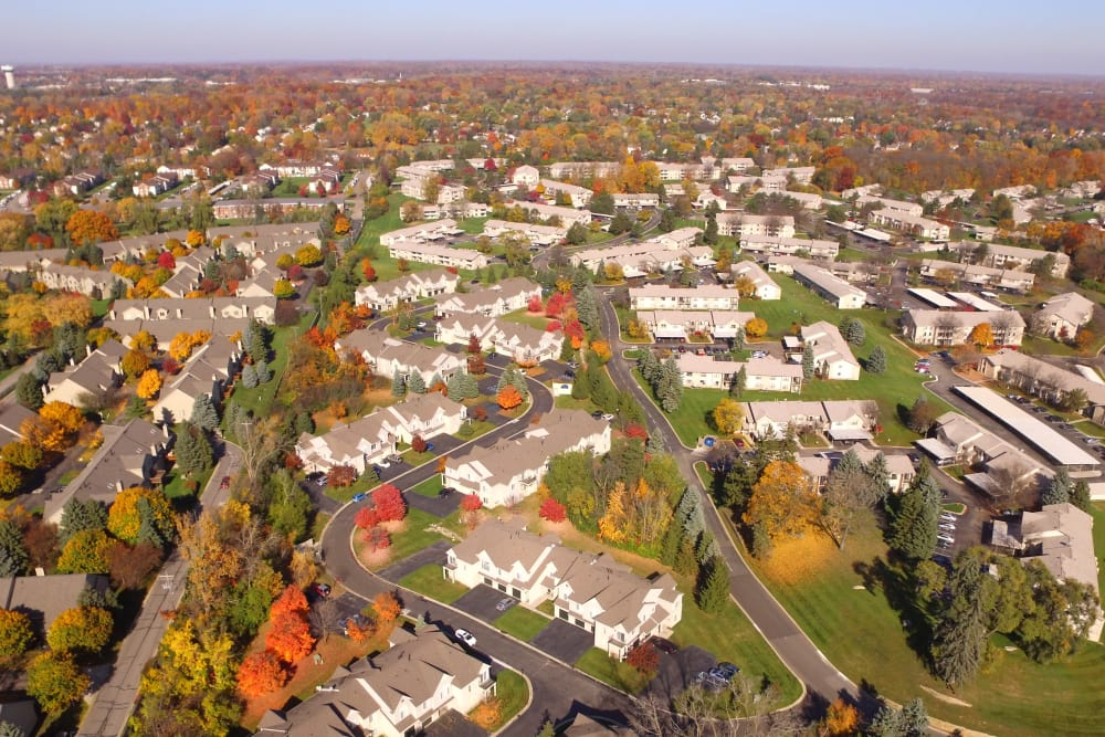 Farmington Hills, Michigan on a sunny day near Muirwood