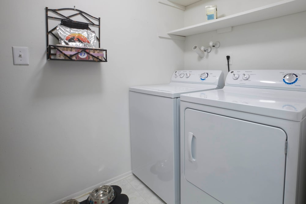 In-home washer and dryer in Farmington Hills, Michigan at Muirwood