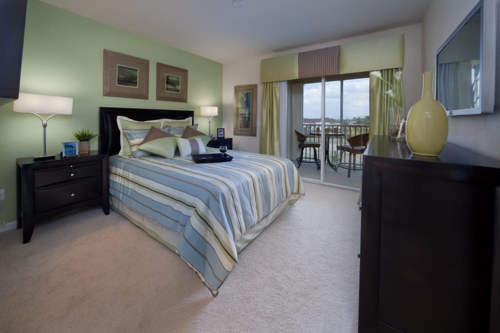 Extra bedroom in apartment at Villa Grande on Saxon in Orange City, Florida