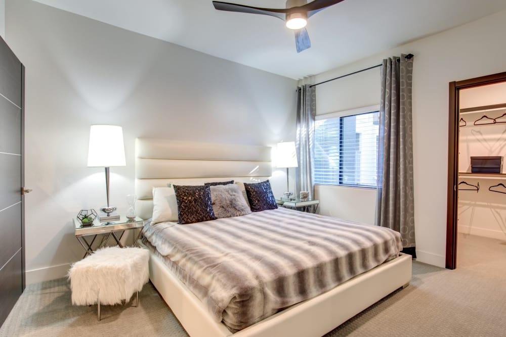 Bedroom w/ walk-in closet at Empire