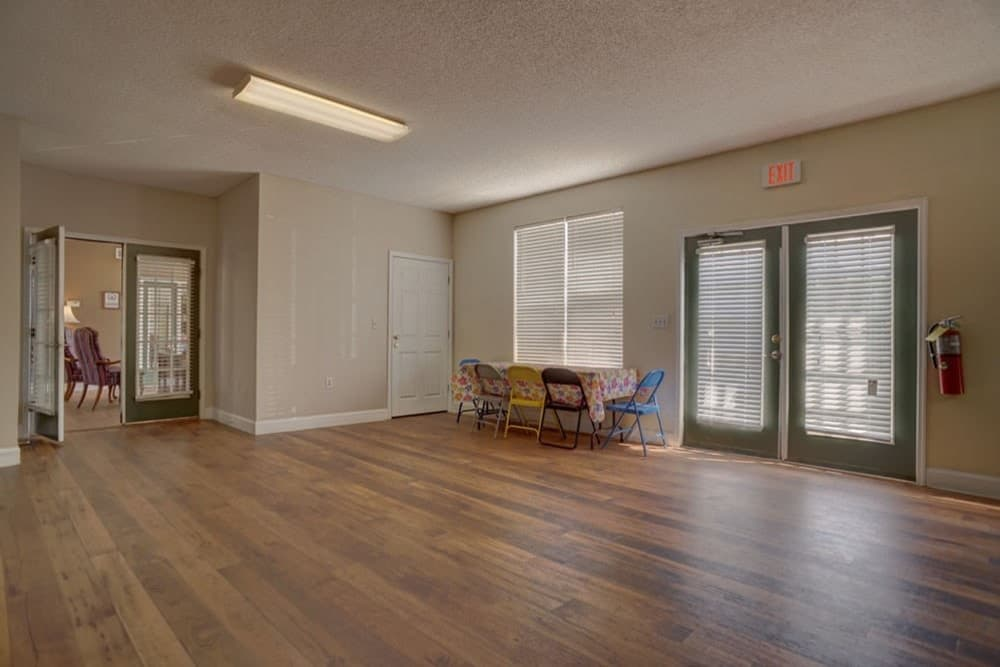 A community multipurpose room in the leasing office at Etowah Village Apartments in Cartersville, Georgia