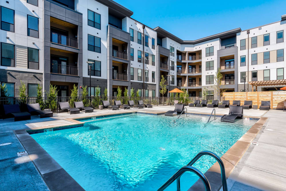 Luxurious resort inspired pool at Echelon Luxury Apartments in Cincinnati, Ohio