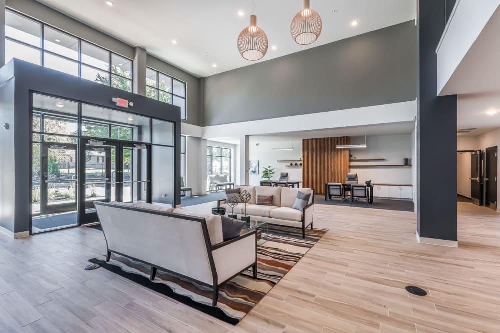Lobby at Echelon Luxury Apartments in Cincinnati, Ohio