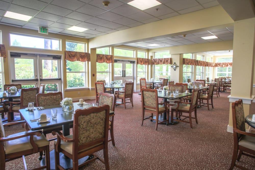 Dining room at Gencare LifeStyle at Steel Lake in Federal Way, Washington