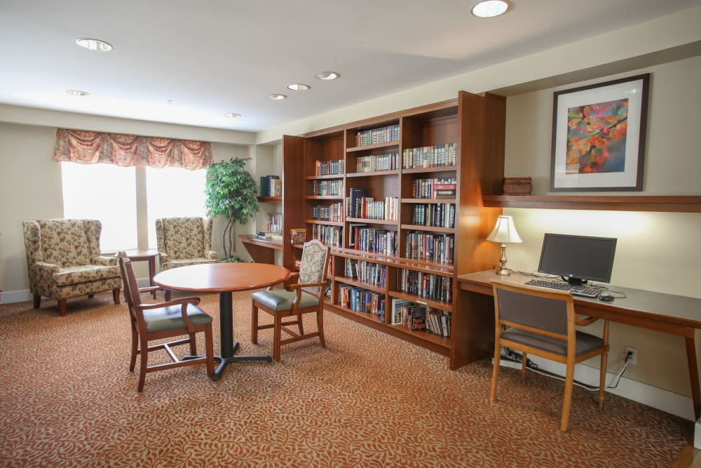 Community library at Gencare LifeStyle at Steel Lake in Federal Way, Washington